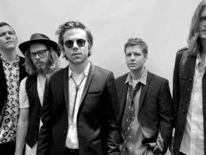 : Cage The Elephant