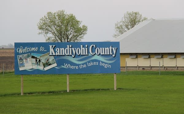 Kandiyohi County sign