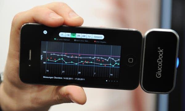 iPhone device measuring bloodsugar