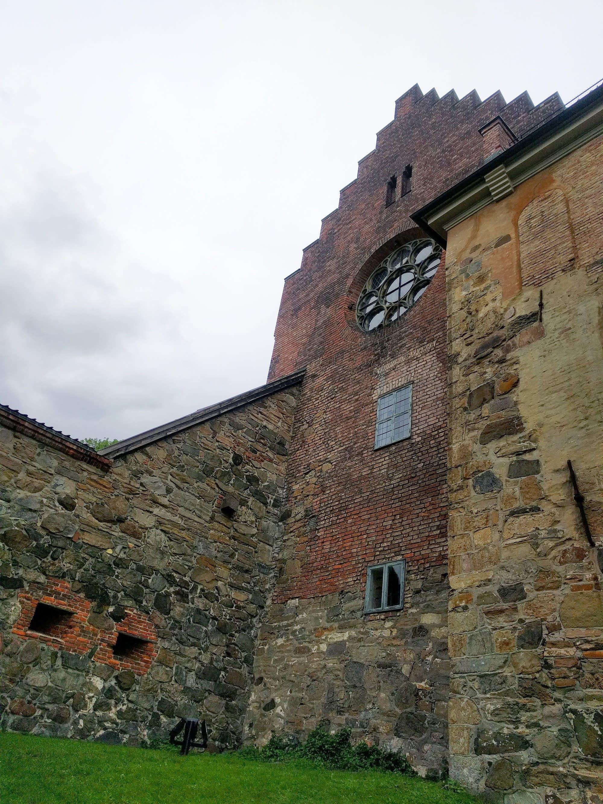 Oslo - 01 - castle window