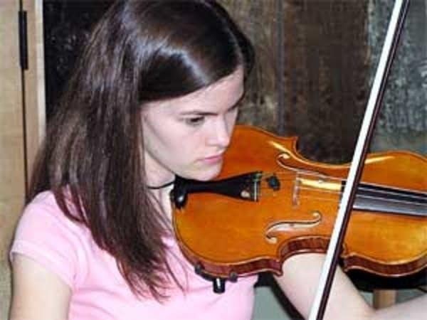 Violinist Lizzie Whipple