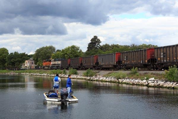 Lake Minnetonka train