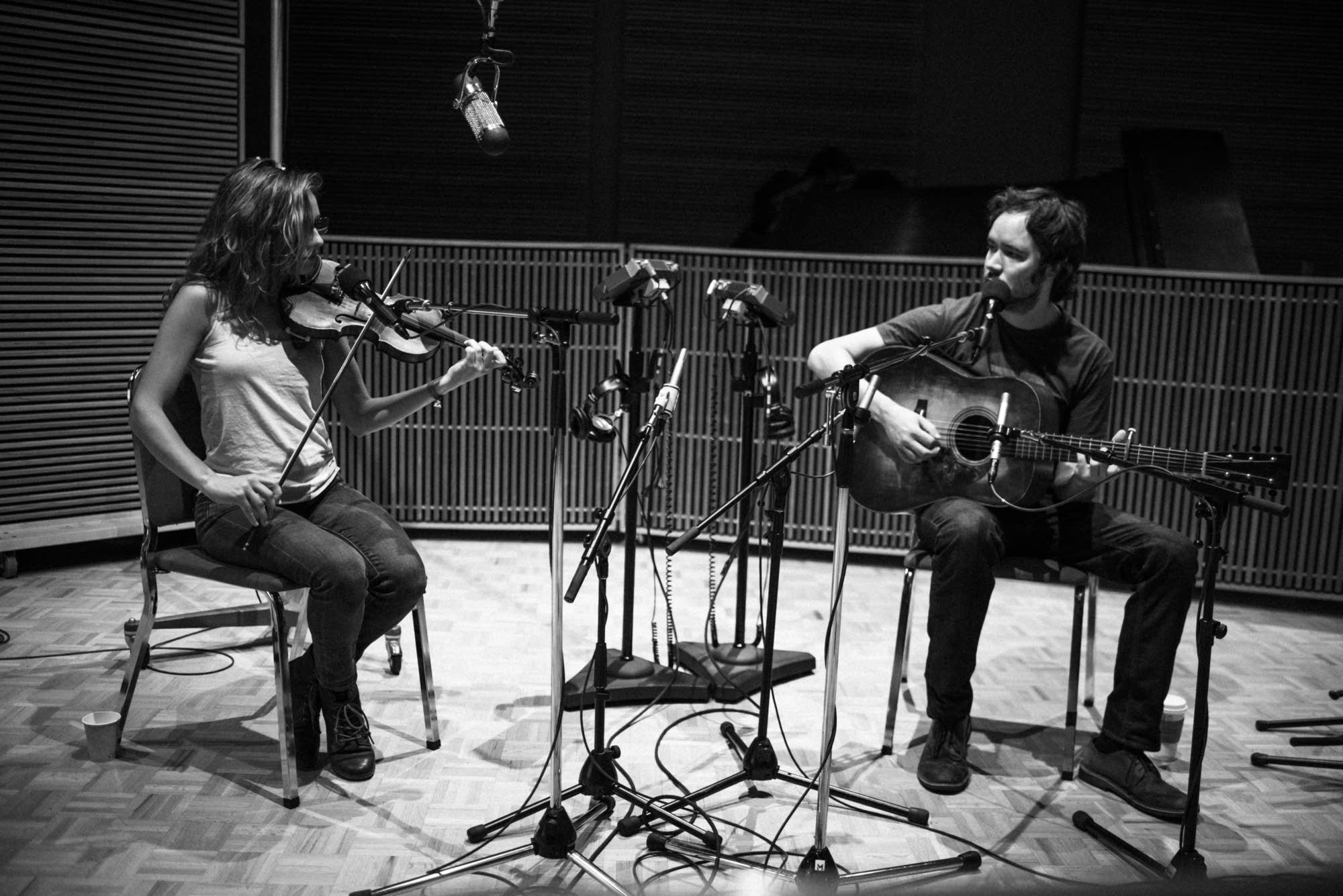 Mandolin Orange perform at Radio Heartland