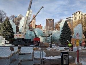 St. Paul's Rice Park, ice palace construction