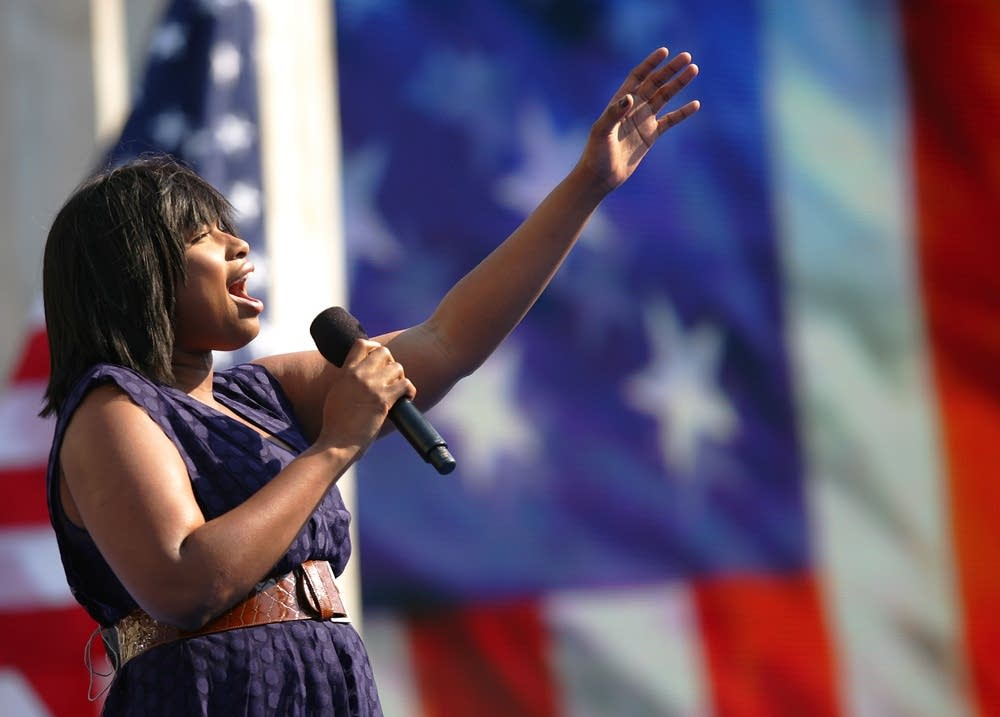Jennifer Hudson sings the National Anthem