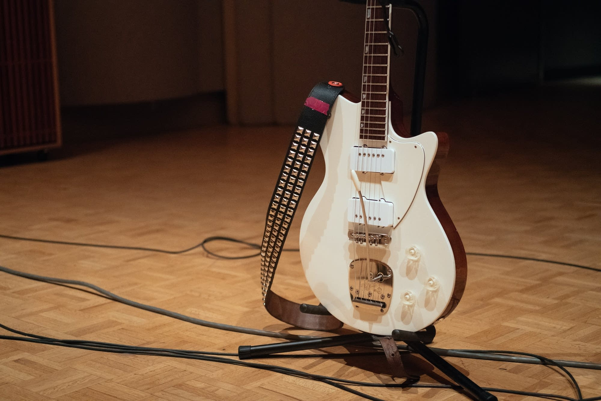 Mary Timony of Ex Hex's Koll Guitar Company Duo Glide