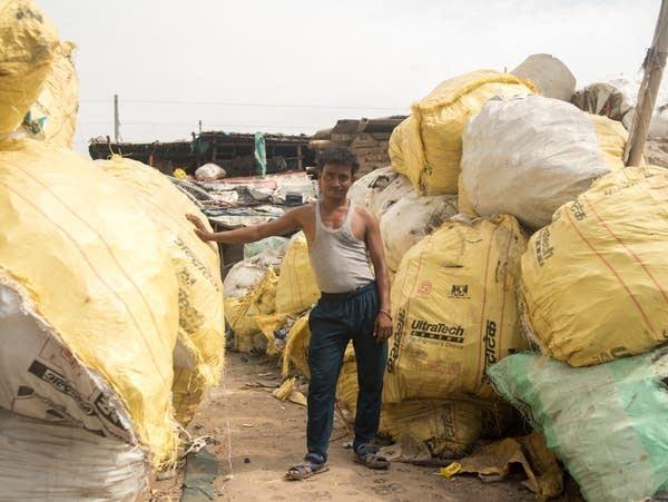 Sheikh Rahim scavenges plastic on Ghazipur landfill