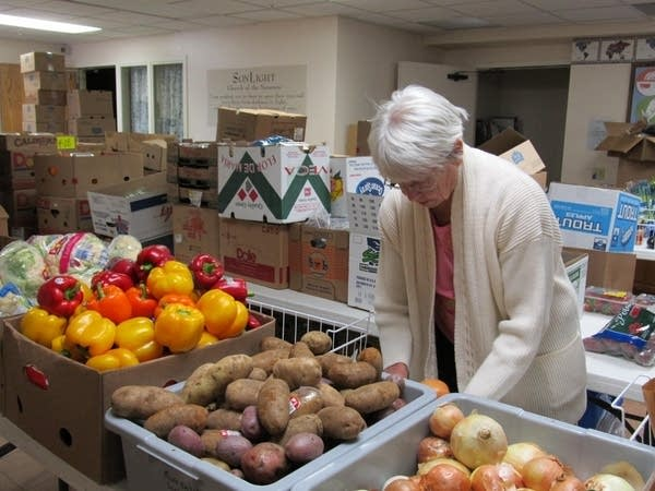 Food shelf volunteer