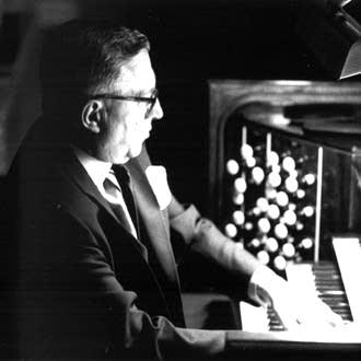 Raymond Daveluy (1926-2016)