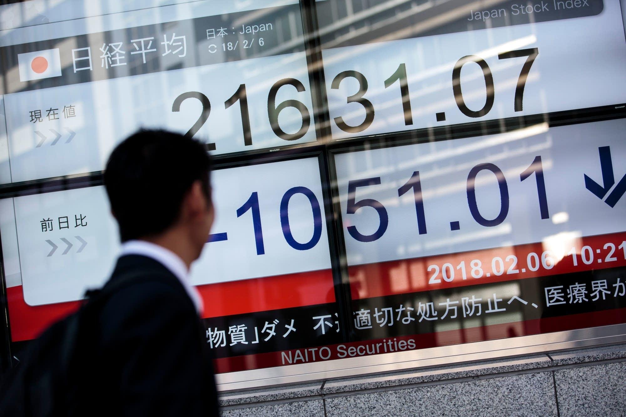 Dow Jones industrials drop 500 as stock market losses deepen