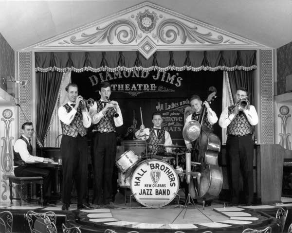 Butch Thompson in the Hall Brothers Jazz Band