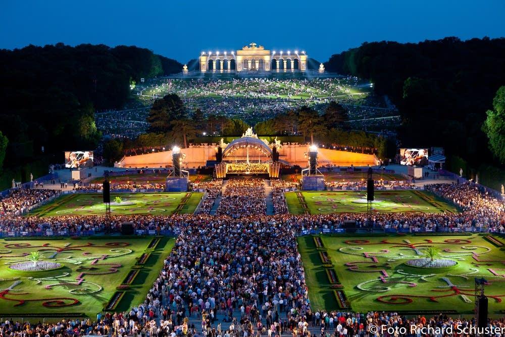 Vienna Philharmonic - Summer Night Concert
