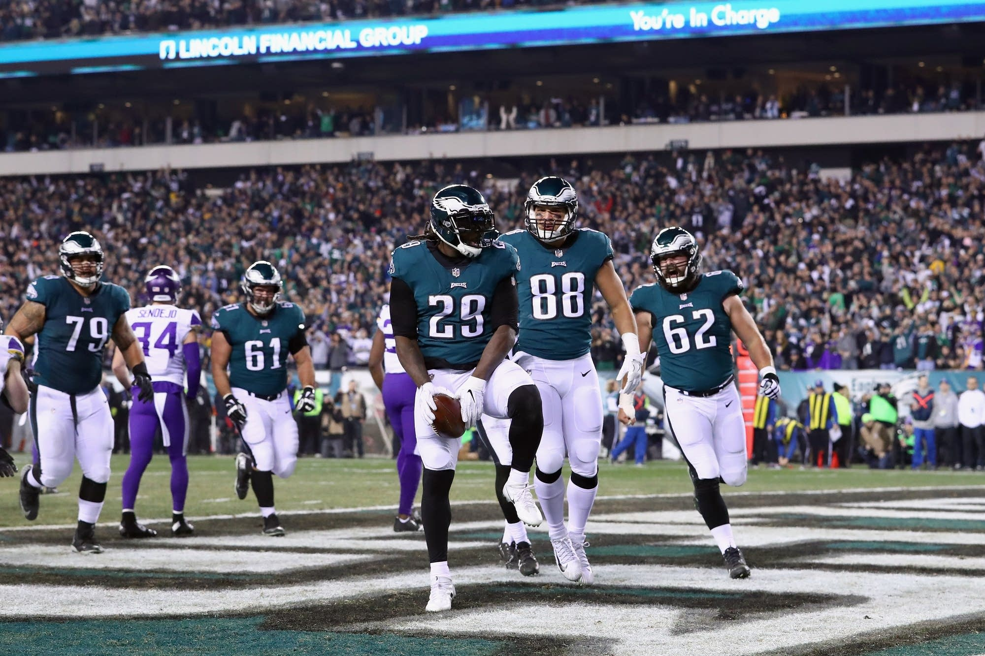 LeGarrette Blount (29) of the Eagles is congratulated by his teammates.