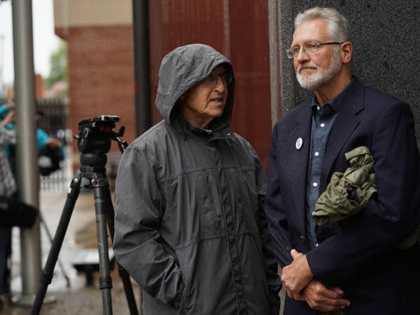 Former FBI agent Al Garber stands with Jerry Wetterling