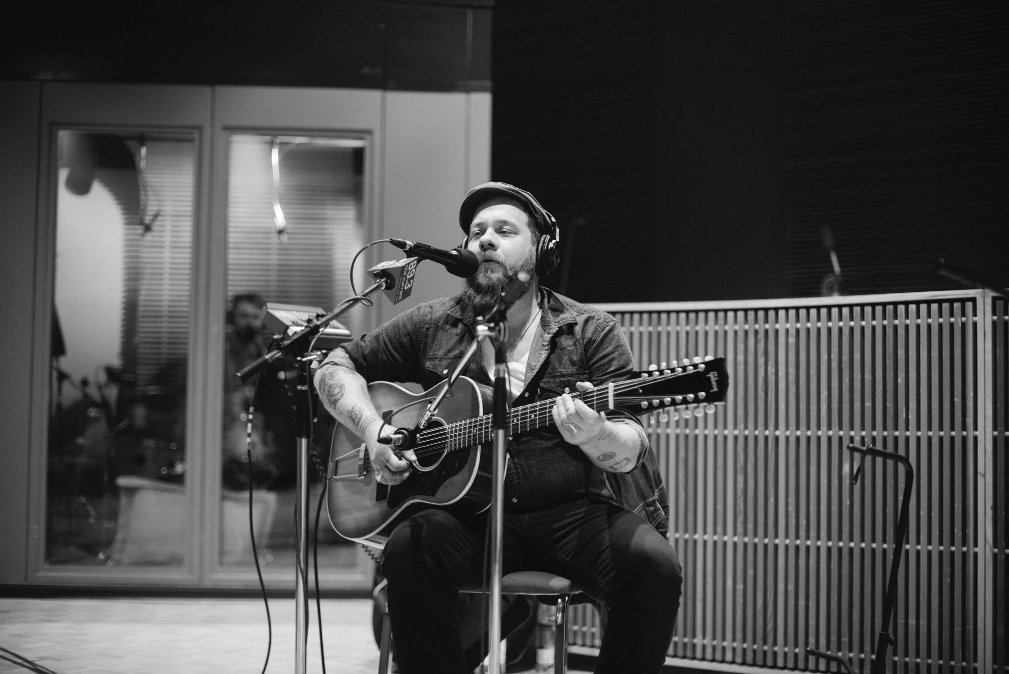 Nathaniel Rateliff & The Night Sweats - 10