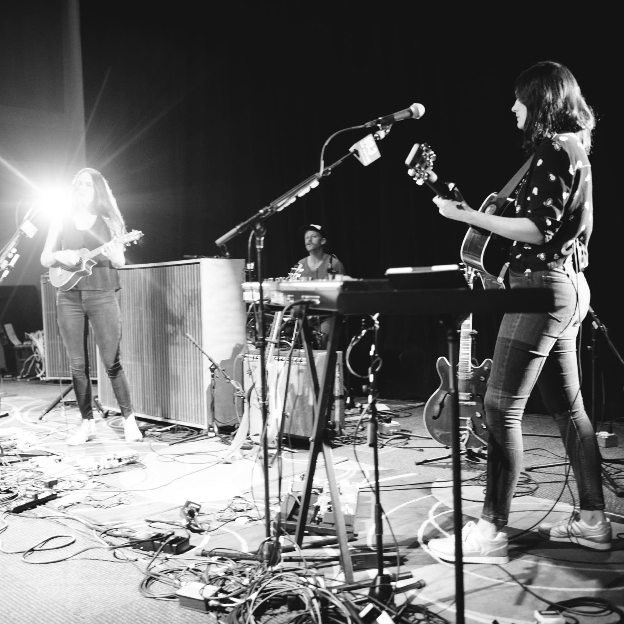The Staves - Forum - 1