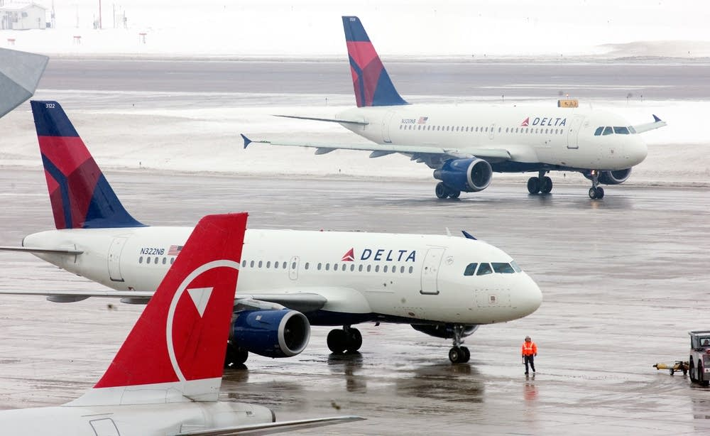 delta northwest merger Delta air lines has completed its $28 billion deal to acquire northwest airlines, creating the world's biggest carrier.