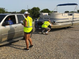 Hannah Purcell checks in Annandale boater Gerry Bahe