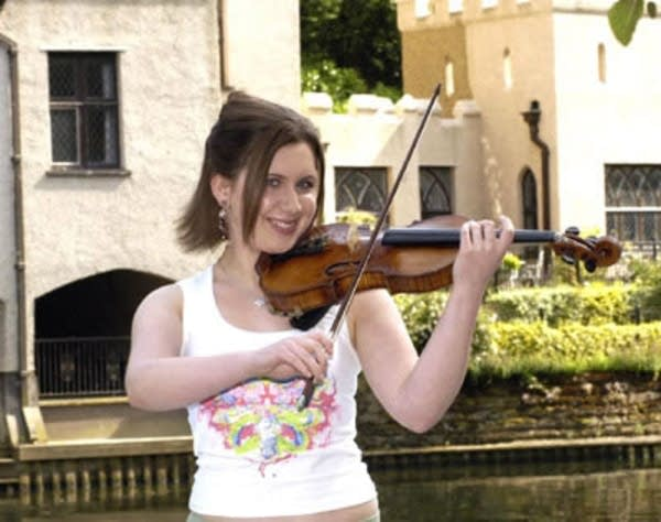 Chloe Hanslip, violin