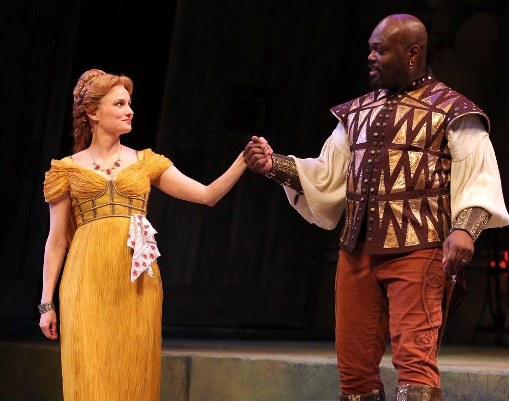 OthelloGuthrie Theater - Wurtele Thrust Stage
