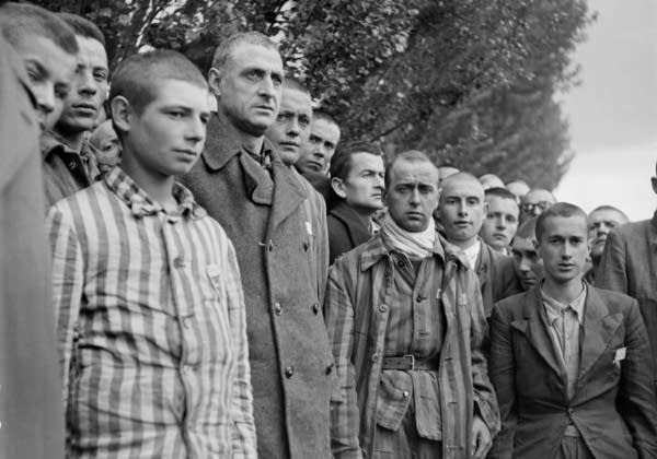 "French prisoners sing the national anthem, ""La Mar"