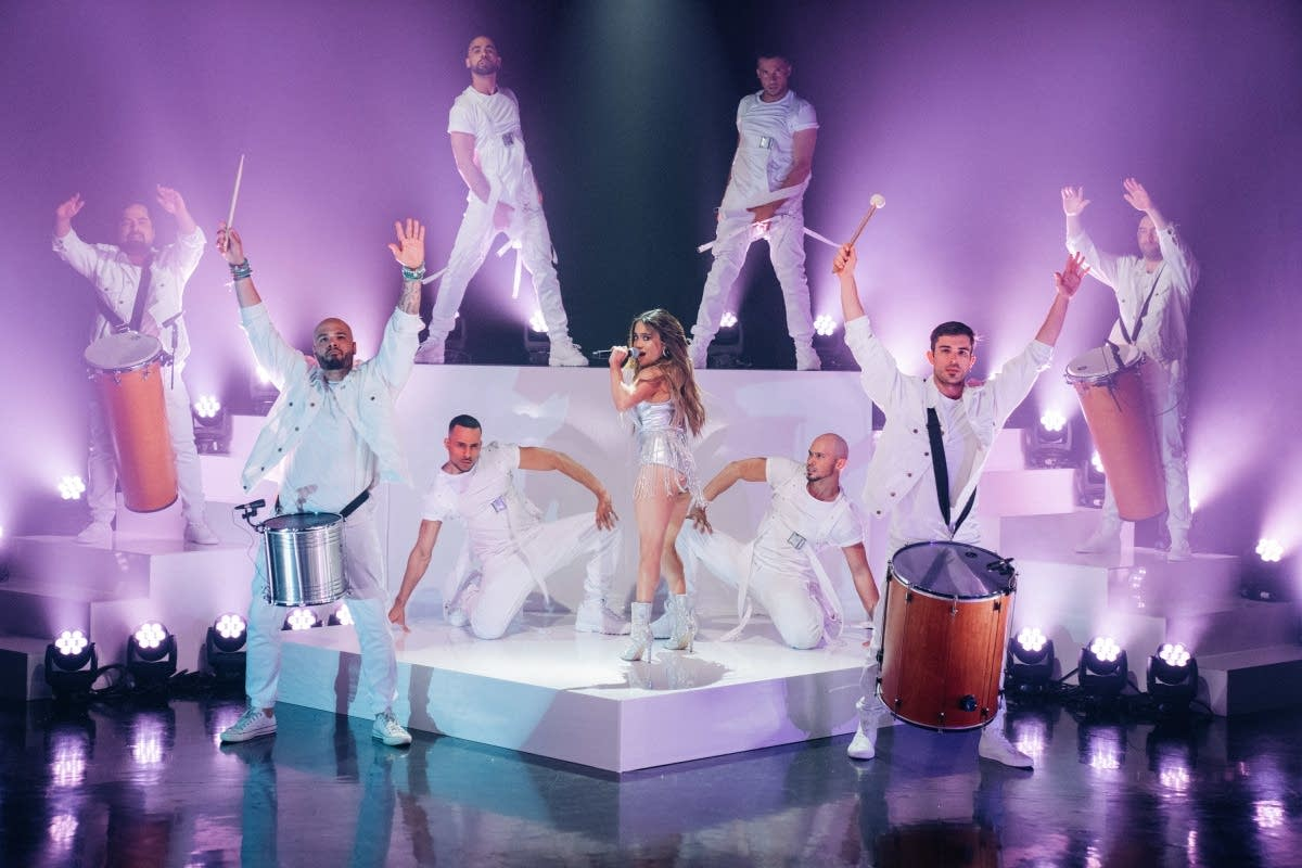Ally Brook featuring Tyga on 'The Late Late Show with James Corden'