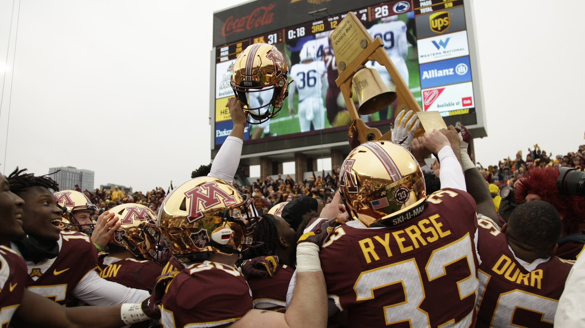 College Football: Big Win Lifts Gophers To No. 7 In