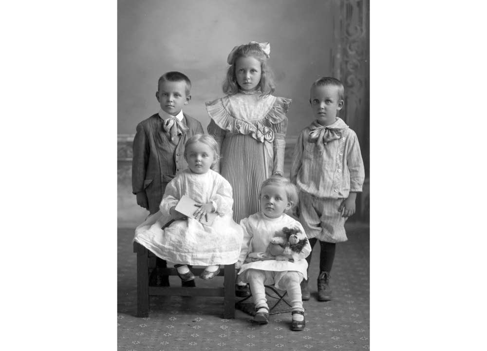 Unknown family, approximately 1910