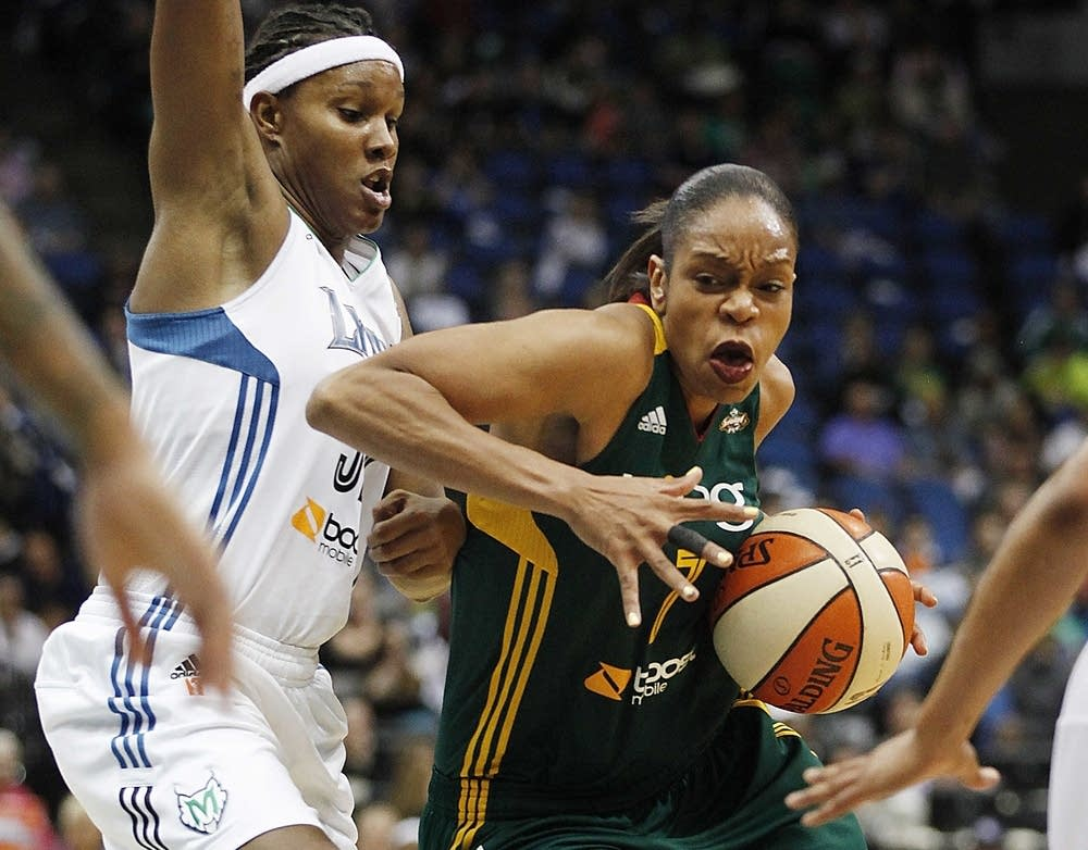 Tina Thompson, Rebekkah Brunson