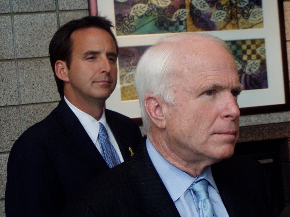 Pawlenty backs McCain