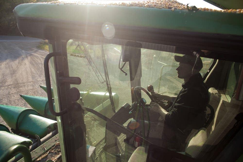 Ill. Soybean Harvest