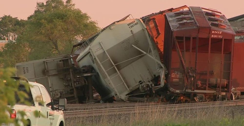 Sixteen empty BNSF rail cars derailed on Friday