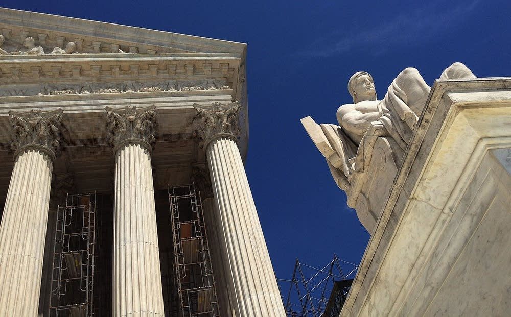 Justices side with government in property rights case