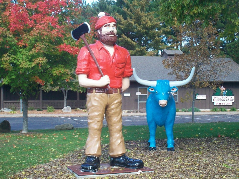Paul Bunyan and Babe in Eau Claire, Wis.