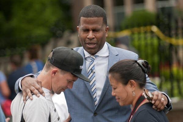 Pastor Dimas Salaberrios, NYC, leads a prayer.