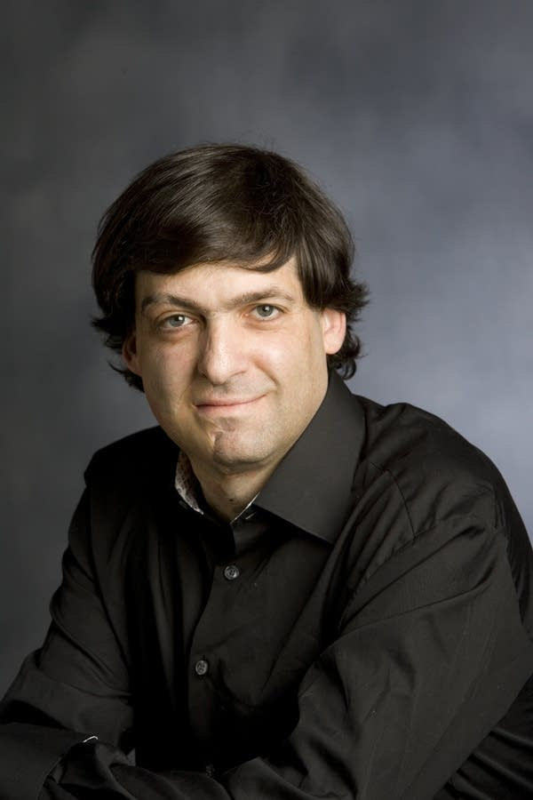 Dan Ariely studies and writes about irrationality