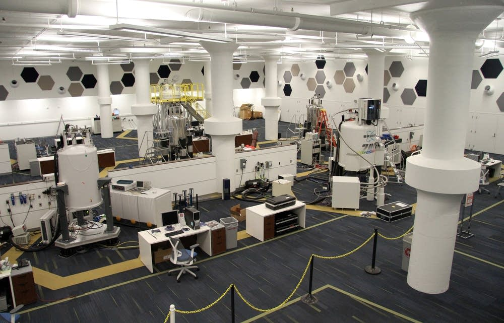 The Nuclear Magnetic Resonance Center at the U