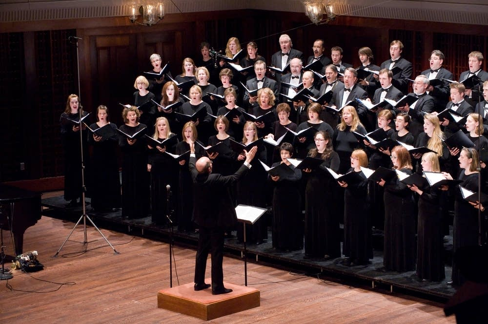 VocalEssence Chorus, Philip Brunelle, conductor