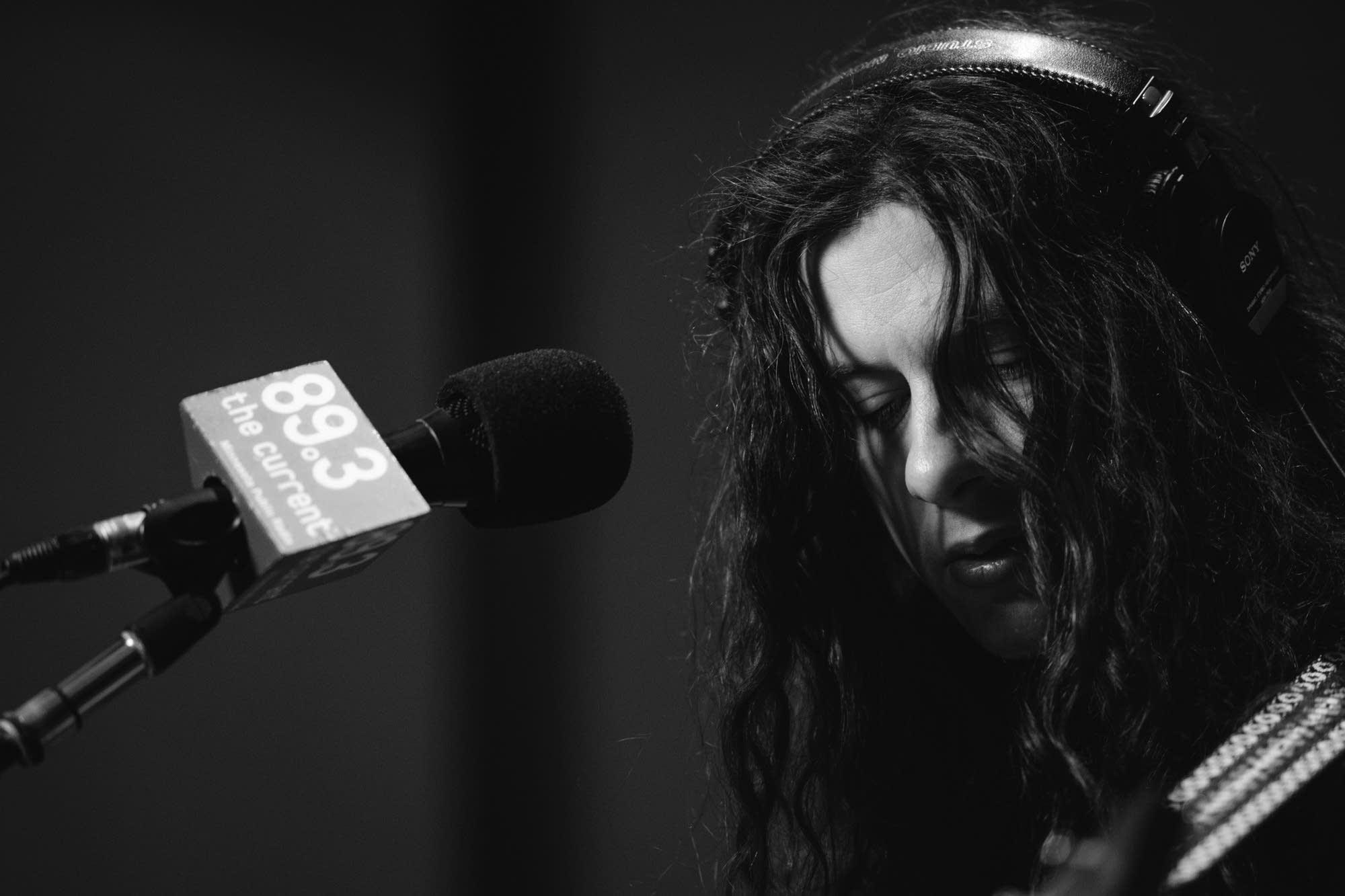 Kurt Vile performs in The Current studio