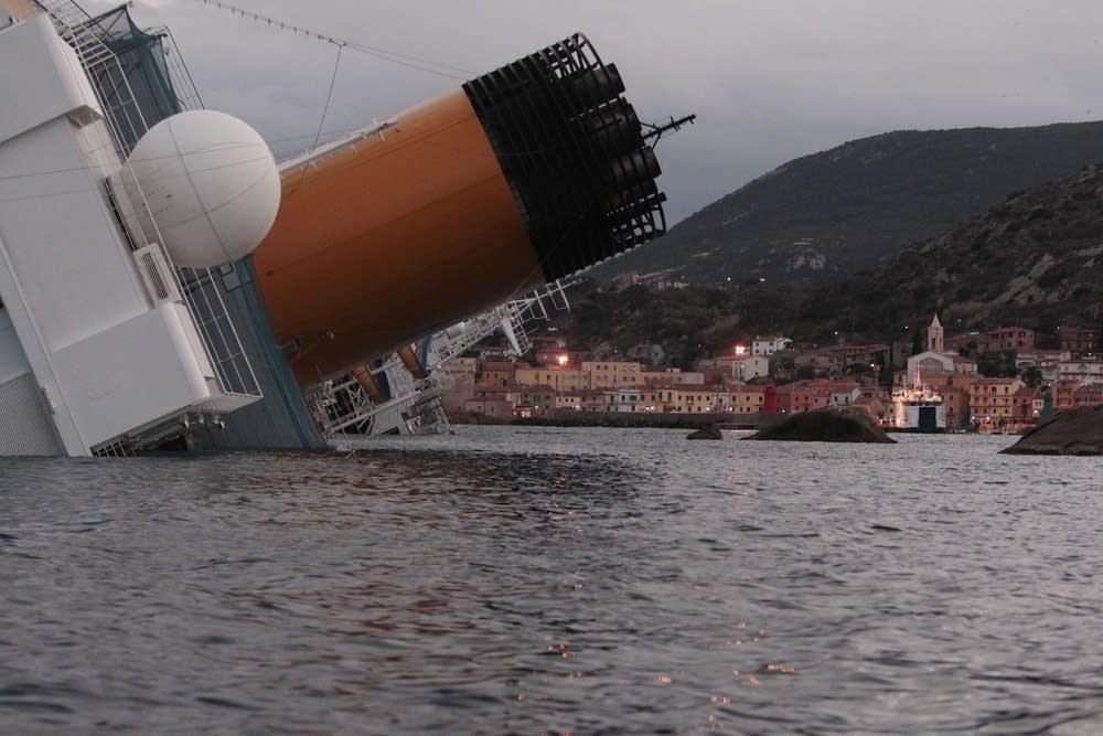 Capsized cruise ship