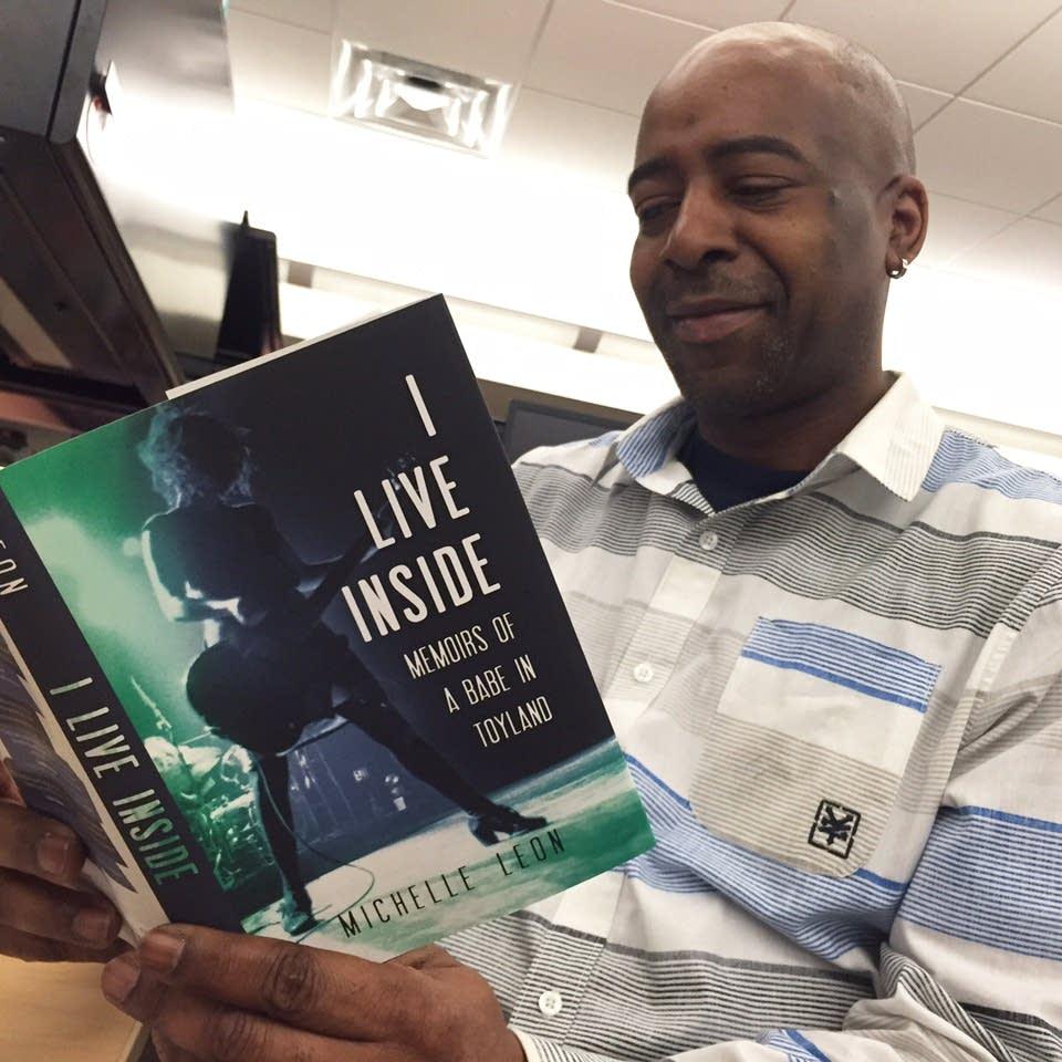 Derrick Stevens reads 'I Live Inside'