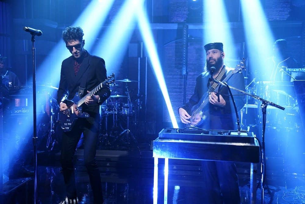 Chromeo perform on 'Late Night with Seth Meyers'