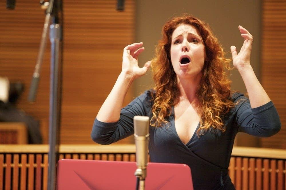 Sarah Heltzel in studio