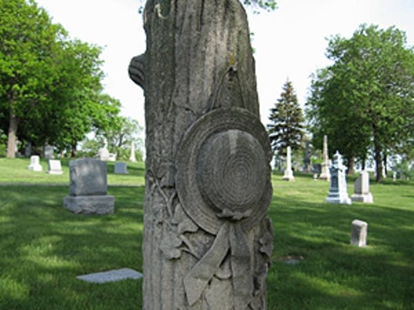 Symbols in the cemetery