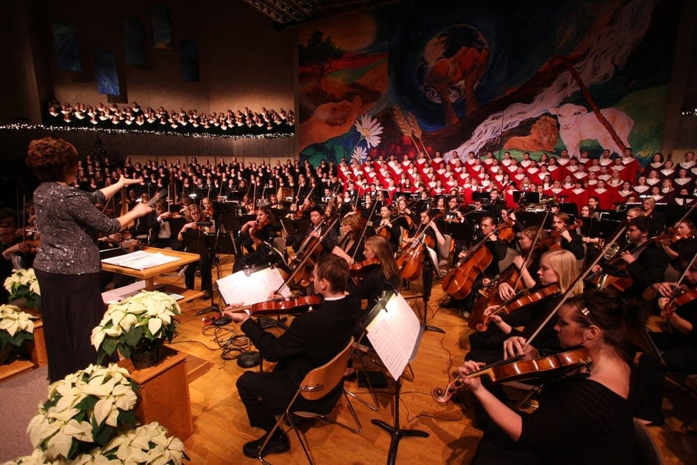 600 musicians make a joyful noise.