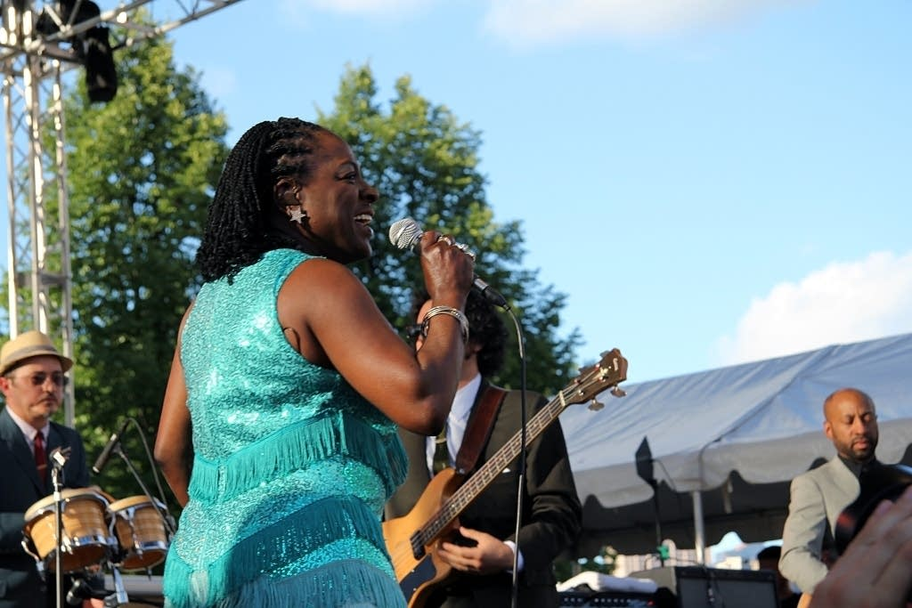 sharon jones and the dap-kings-rtg-2010