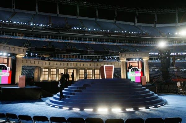 Stage set for Obama