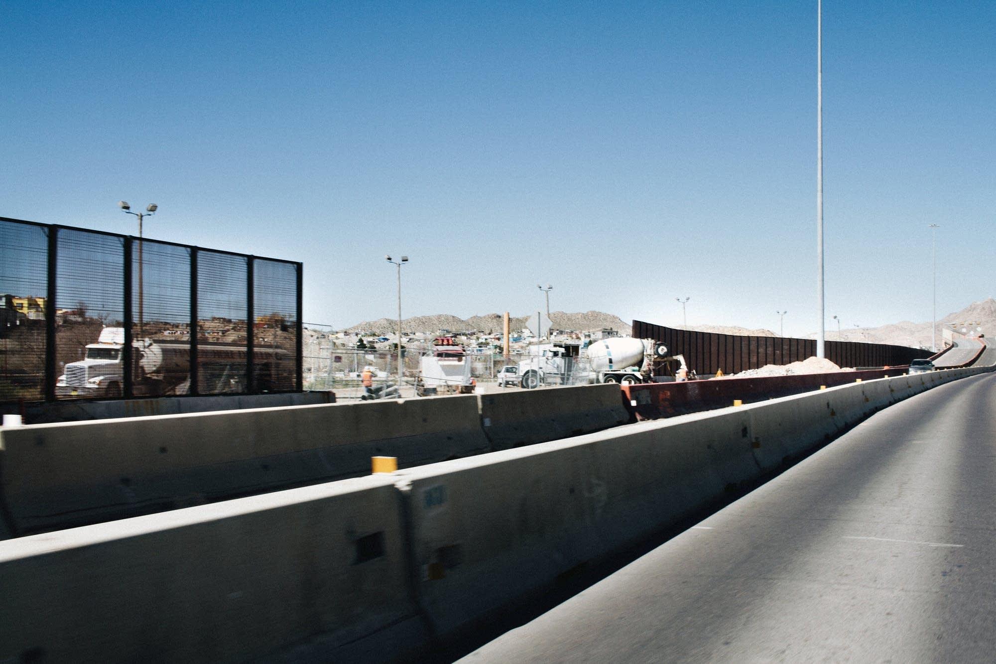 Construction of the border fence in El Paso, Texas.