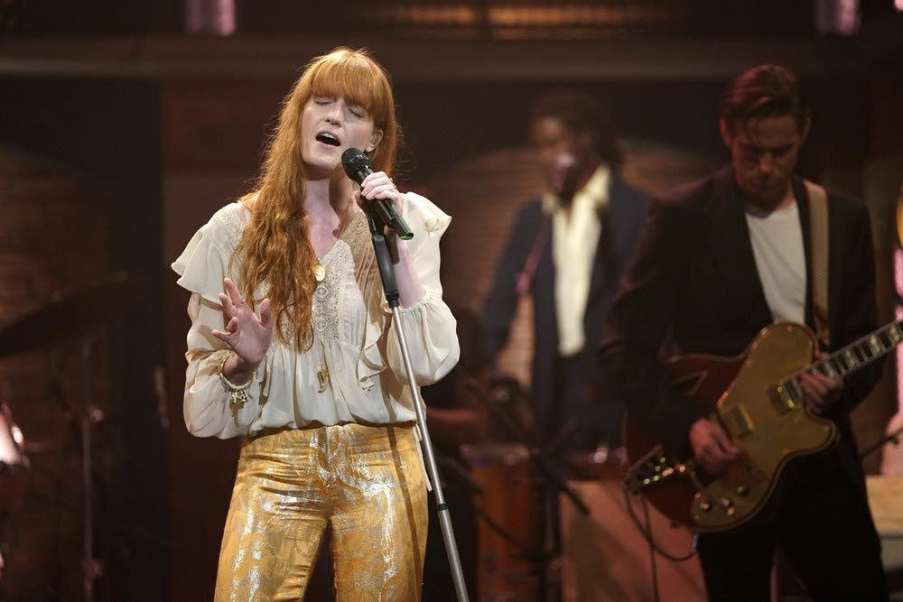 Florence + The Machine on 'Late Night with Seth Meyers'