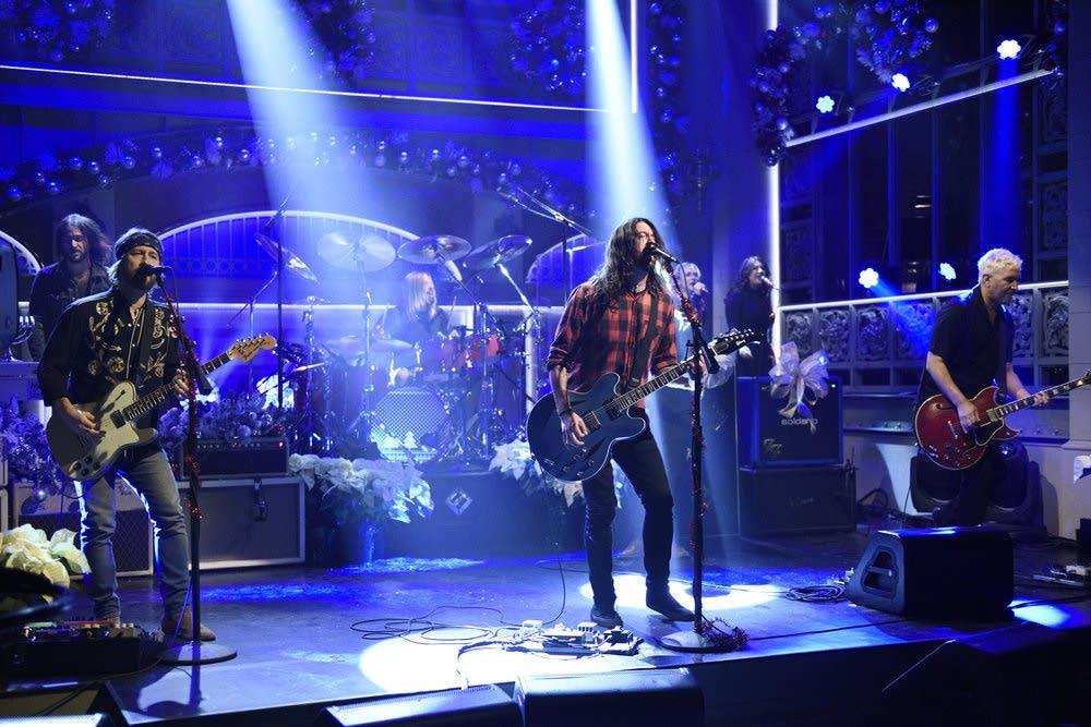 Foo Fighters perform on 'Saturday Night Live' on Dec. 16, 2017